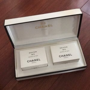 Auth Chanel No5 soap gift set